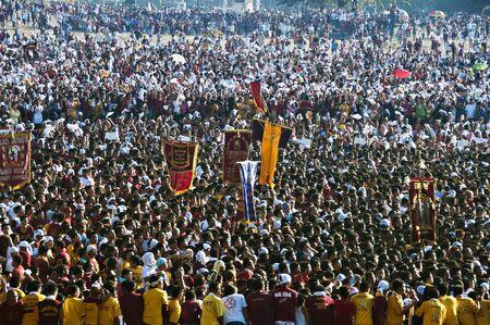 attended: Millones de personas asistieron a la conmemoraci�n anual de la fiesta del Nazareno Negro en Manila el 9 de enero de 2010.
