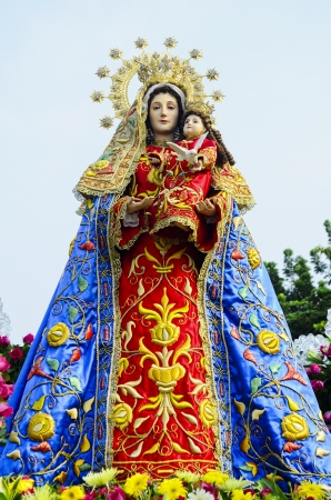 Statue of the Holy Mother Virgin Mary with the Child Jesus. photo