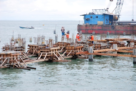 port construction in the middle of the sea