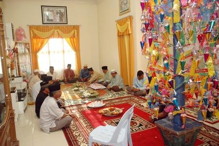 TARAKAN, EAST BORNEO - INDONESIA - FEBRUARY 26, 2012   reading of sacred texts al qur