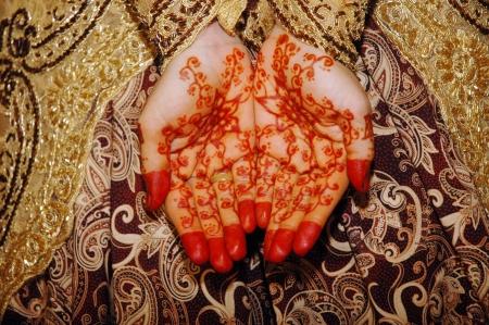 Henna auf Händen der indonesischen Wedding Bride Standard-Bild - 15988083