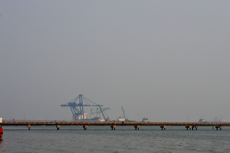 seaports: TARAKAN, INDONESIA - SEPT, 10, 2015 : view on the seaports that look Tarakan city cloaked in thick smog on Sept 10, 2015  in Tarakan, Indonesia