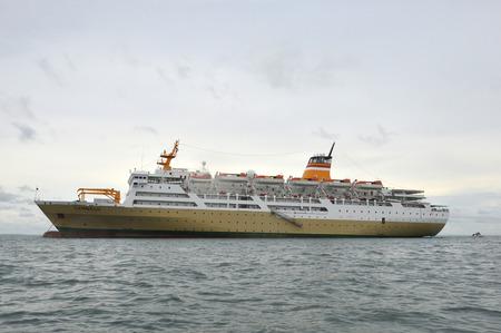 aground: TARAKAN, INDONESIA 26TH OCTOBER 2016 ; ship Lambelu ran aground in shallow waters Tarakan City, Indonesia