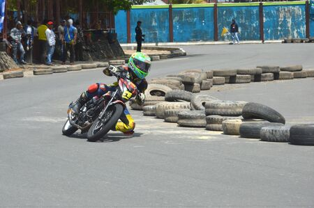 TARAKAN, INDONESIA. 20th May 2017. Motoprix national championship oin the non-permanent circuit Datu Adil Tarakan Stadium Stok Fotoğraf - 80296958