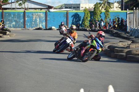 TARAKAN, INDONESIA. 21th May 2017. Motoprix national championship oin the non-permanent circuit Datu Adil Tarakan Stadium Stok Fotoğraf - 80363301