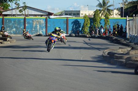 TARAKAN, INDONESIA. 21th May 2017. Motoprix national championship oin the non-permanent circuit Datu Adil Tarakan Stadium Stok Fotoğraf - 80363303