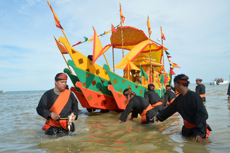 TARAKAN, INDONESIA, 17 DEC 2017 : Iraw Tengkayu Festival at Amal Beach Tarakan, Indonesia, in the framework of the 20th anniversary of the city Editorial