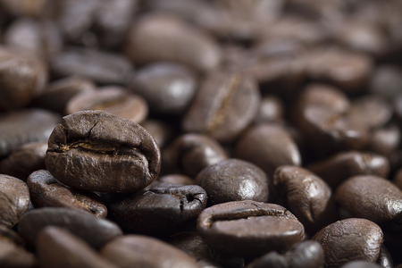 The aroma of coffee beans, Productivity delicious, Focus on 1 bean