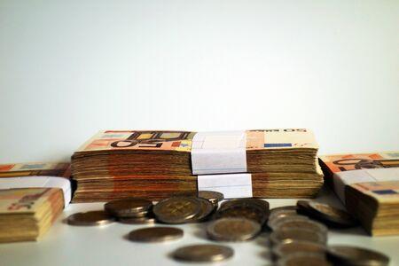 Money, finance, economy, illusion ...