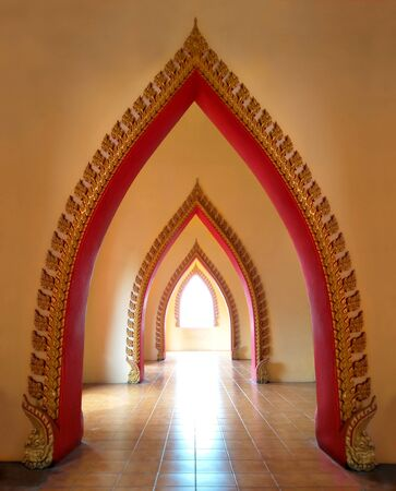 Wat Tham Sua in kanchanaburi, door and  tunnel beautiful in famous tourist attractions of Thailand Banque d'images - 129545446