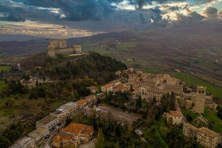 Aerial view of San Leo prison fort and village near Rimini Italy Banco de Imagens