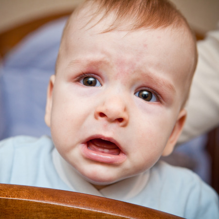 portrait of a crying baby Imagens - 37015372