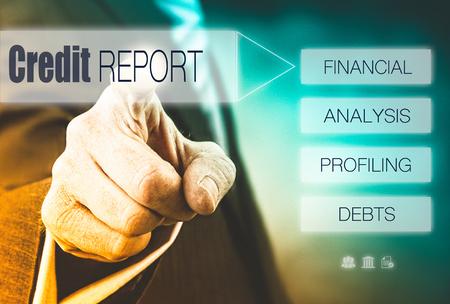 Zakenman op een Rapport van het Krediet begrip knop. Instagram Styling Applied. Stockfoto
