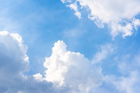 The background of the blue sky and white clouds 版權商用圖片