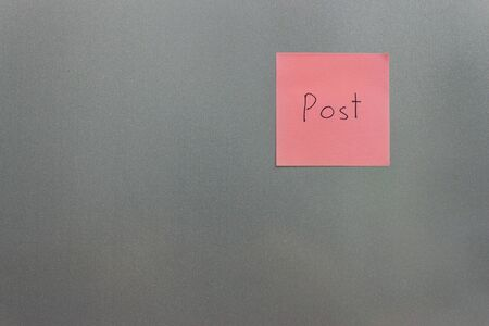 post it: Post it paper on the fridge