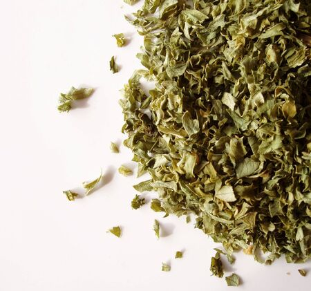 dehydrate: dried parsley flakes