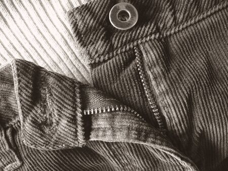 Damen Hosen mit Reißverschluss Teil Weise rückgängig gemacht werden  Standard-Bild - 370661