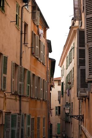 bella: Vecchia strada del francese la citt� di Nizza. tiro verticale