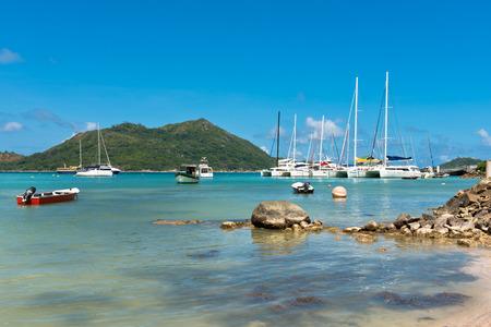 Yachten Yachthafen in Insel Praslin Seychellen. Horizontale gedreht