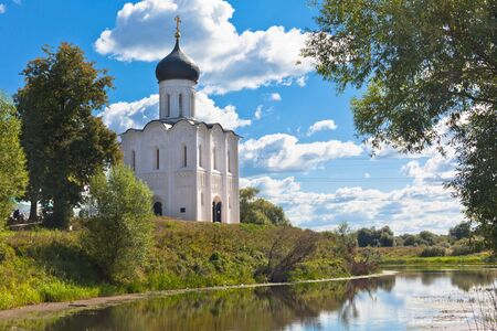 nerl river: Church of the intercession on the Nerl river in Russia the village Bogolyubovo Stock Photo