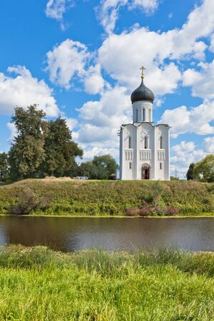 nerl: Church of the intercession on the Nerl river in Russia the village Bogolyubovo Stock Photo
