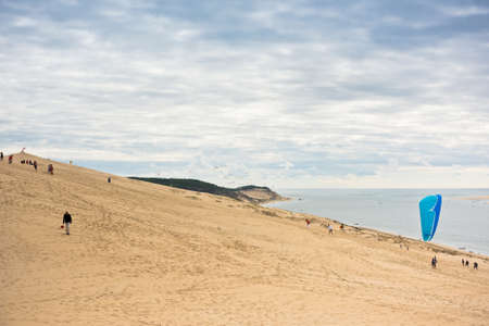duna: View of The Arcachon Bay and The Duna of Pyla, Aquitaine, France Editorial