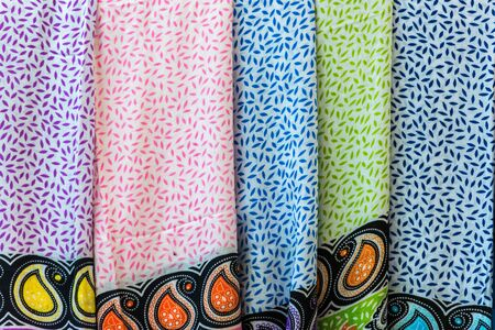 sciarpe: Selection of colorful women scarves at a market