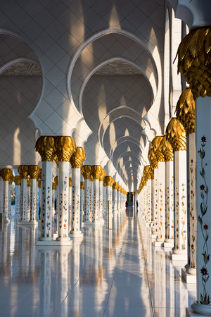 Beautiful gallery of famous Sheikh Zayed White Mosque in Abu Dhabi, UAE