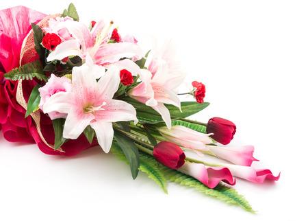 ramo de flores: Flores del ramo aislados en el fondo blanco Foto de archivo