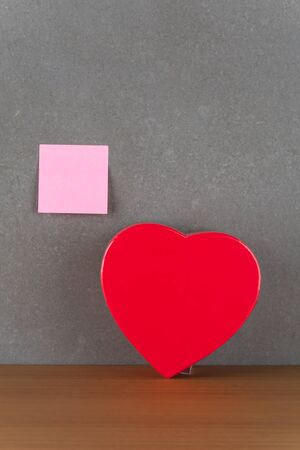 heart gift box: red heart gift box and sticky notes note