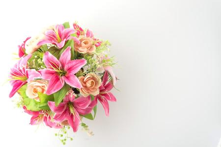 mazzo di fiori: fiori del mazzo isolato su sfondo bianco