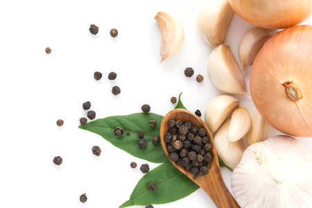 black pepper: black peppers with garlics and onions