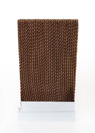 papel filtro: Filtro de papel corrugado sobre fondo blanco Foto de archivo