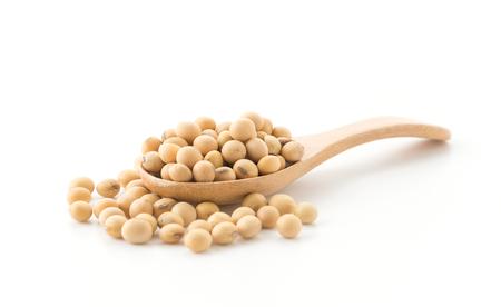 semi di soia su sfondo bianco