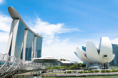 SINGAPORE - July 16, 2015: ArtScience Museum is one of the attractions at Marina Bay Sands, an integrated resort in Singapore. 에디토리얼