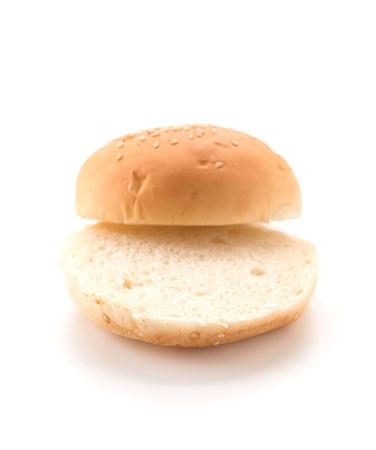 pan de hamburguesa en el fondo blanco