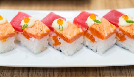 tuna mayo: salmon burned and tuna nigiri - japanese food