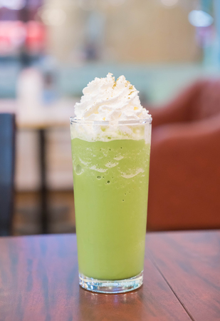 cream and green: green tea with whipping cream