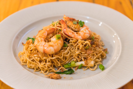 fried noodle: fried noodle with prawn - chinese style Stock Photo