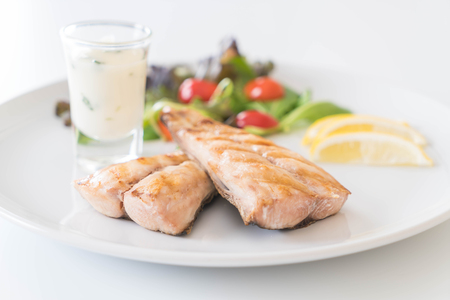 king salmon: mackerel fish steak