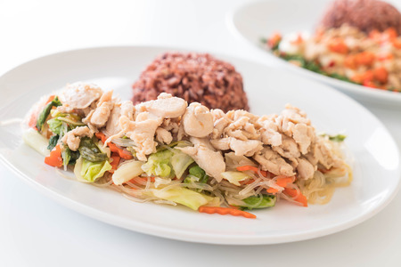 vermicelli: Fried Vermicelli and chicken with berry rice
