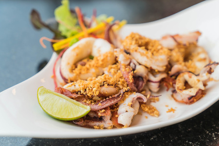 Fried squid with garlic pepper