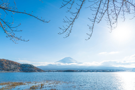 Mountain Fuji San at  Kawaguchiko Lake in Japan. Stok Fotoğraf - 75577473