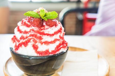 strawberry ice shave (bingsu) - korean dessert style