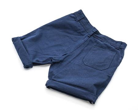 白い背景の上のショート パンツ