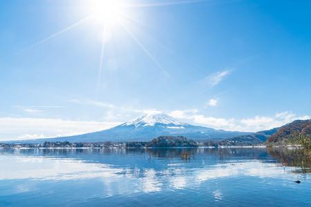 Mountain Fuji San at  Kawaguchiko Lake in Japan. Stok Fotoğraf - 87985102
