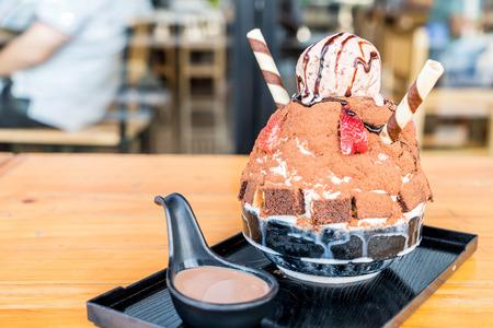 chocolate ice shave (bingsu) - korean dessert