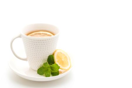hot lemon tea isolated on white background 版權商用圖片