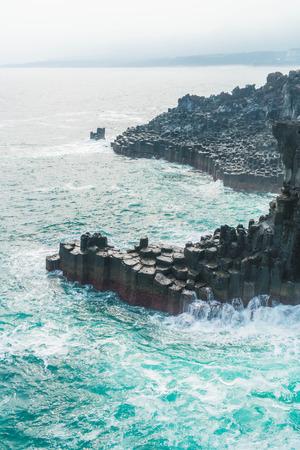 Jungmun Daepo Coast Jusangjeolli Cliff, Jeju Island, South Korea 스톡 콘텐츠