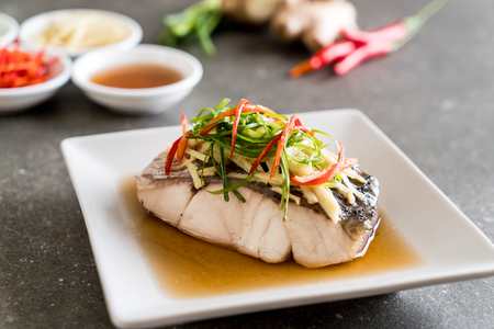 snapper vis gestoomd met sojasaus met ingrediënt